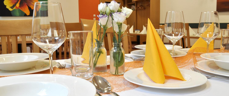 Martinihof Restaurant gedeckter Tisch